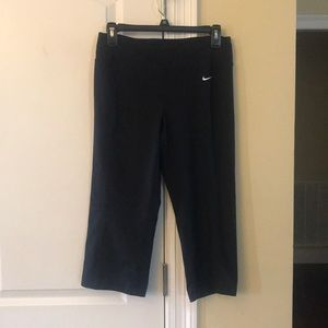 Cropped Dri-Fit pants